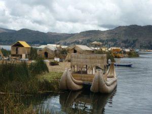 Embarcations sur le lac Titicaca
