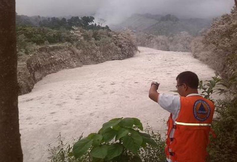 """Résultat de recherche d'images pour """"photo lahar volcan fuego"""""""