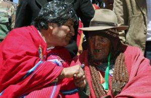 Carmelo Flores avec le président bolivien Evo Morales