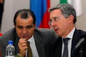 Oscar Ivan Zuluaga et Alvaro Uribe